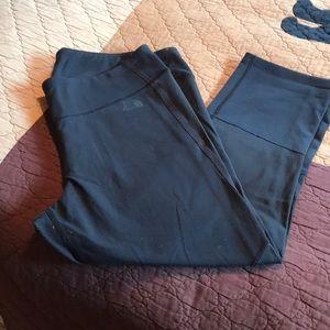 North face crop leggings